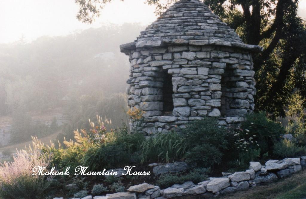 Mohok http://ourfairfieldhomeandgarden.com/inspiring-gardens/mohonk/