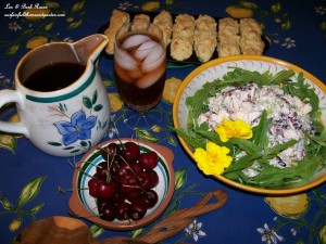 Waldorf Chicken Salad http://ourfairfieldhomeandgarden.com/a-cool-summer-supper-waldorf-chicken-salad/