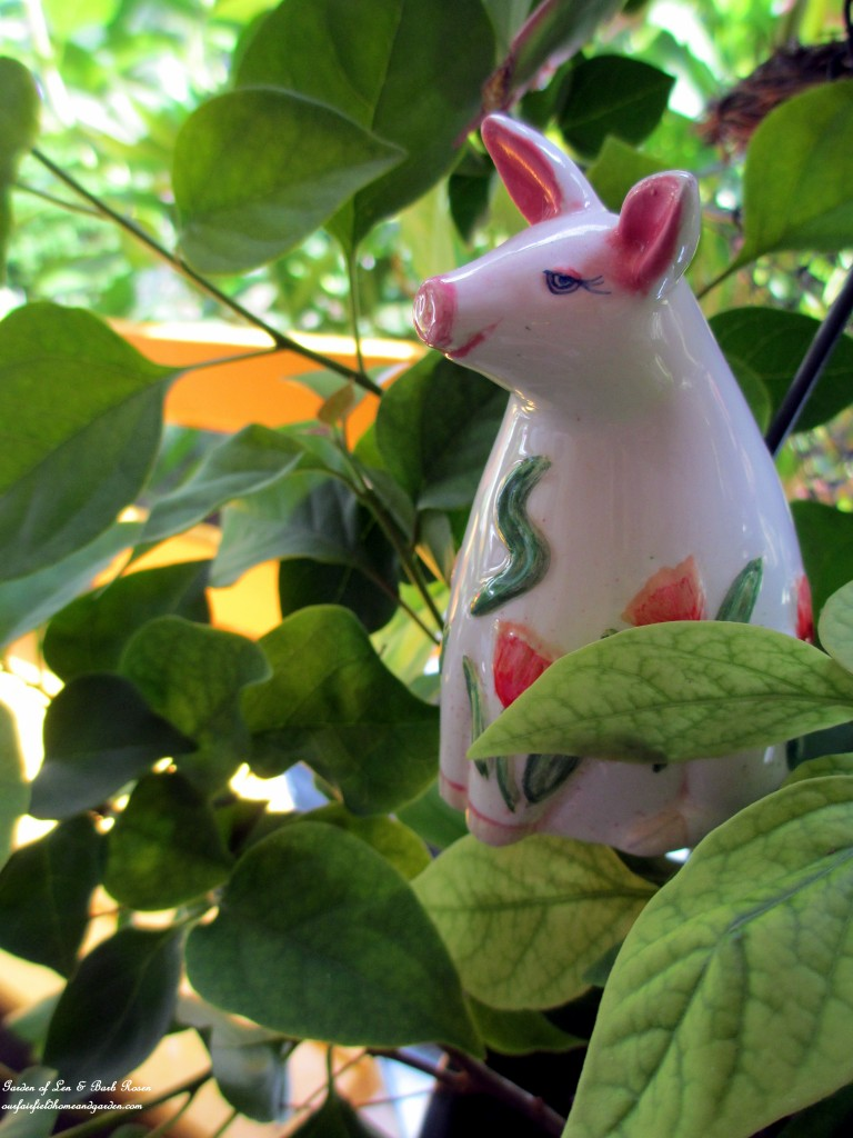 plant pokes https://ourfairfieldhomeandgarden.com/diy-project-plant-pokes-from-vintage-salt-pepper-shakers/