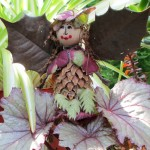 make garden fairies https://ourfairfieldhomeandgarden.com/diy-project-making-fairies-from-natural-materials/