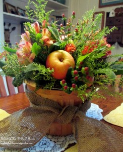 Apple Harvest Basket http://ourfairfieldhomeandgarden.com/diy-project-arrange-your-own-fall-apple-harvest-basket/
