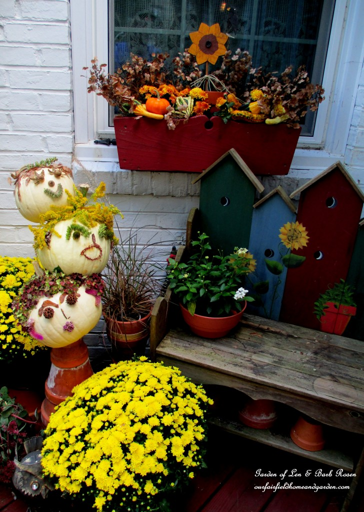 Fall Decorations https://ourfairfieldhomeandgarden.com/getting-into-the-spirit-of-halloween-insert-spooky-music-here/