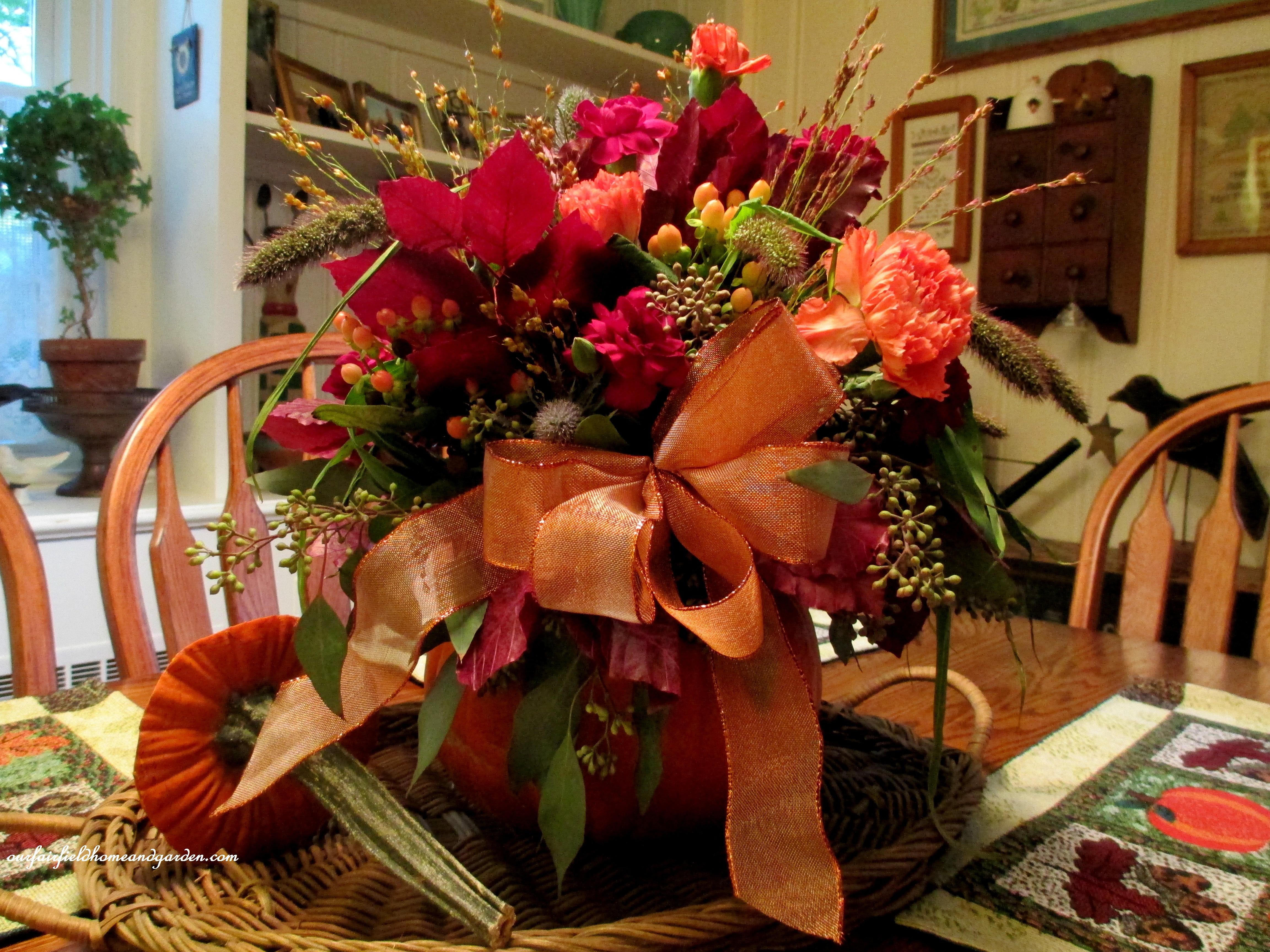 Field Trip: Creating a Beautiful Fall Floral Arrangement in a ...