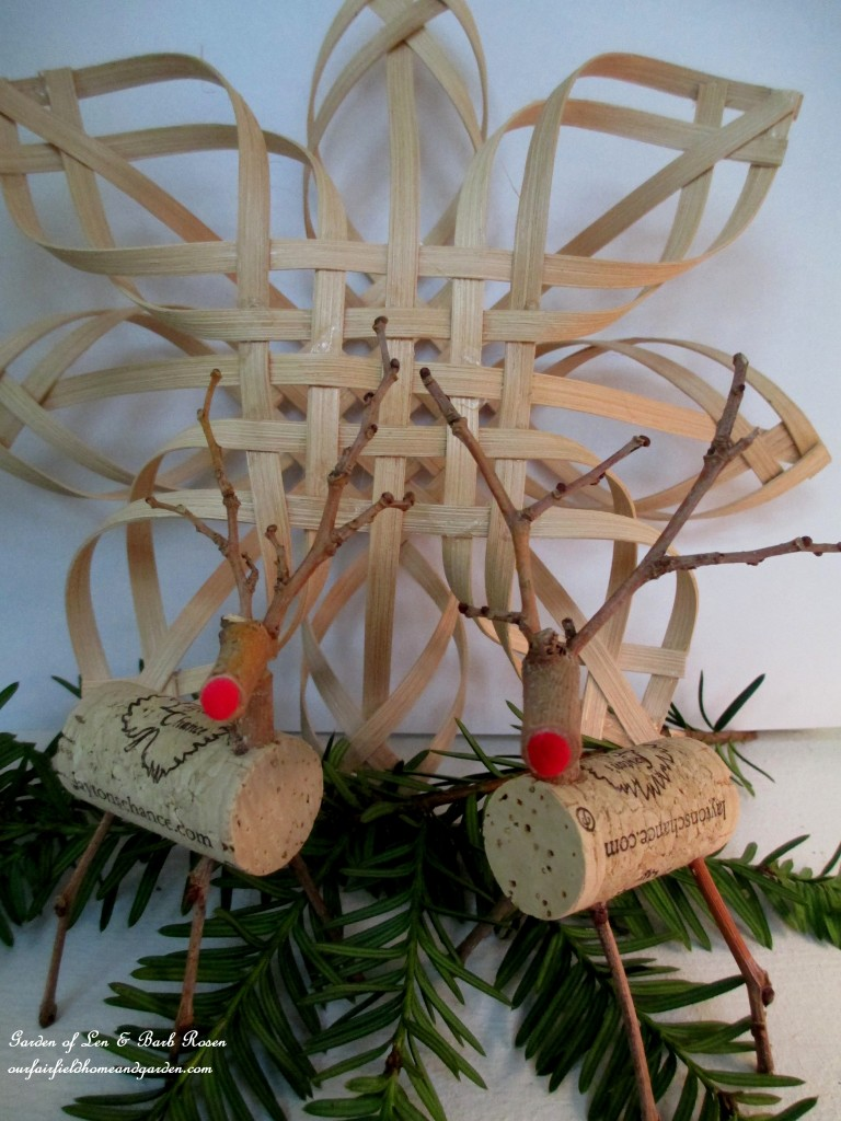 Cute Twig And Cork Reindeer | Breathtakingly Rustic Homemade Christmas Decorations