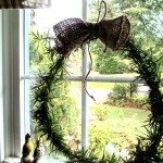 Rosemary Wreath https://ourfairfieldhomeandgarden.com/diy-project-make-a-fresh-rosemary-wreath/