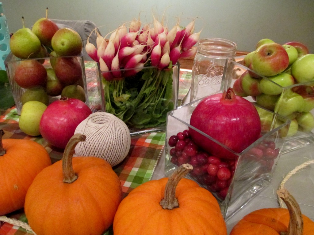http://ourfairfieldhomeandgarden.com/happy-thanksgiving-make-a-cornucopia-of-fresh-fruit-flowers-for-a-centerpiece/
