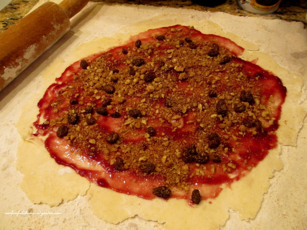 sprinkle on the topping http://ourfairfieldhomeandgarden.com/chanukah-recipes-to-die-for/