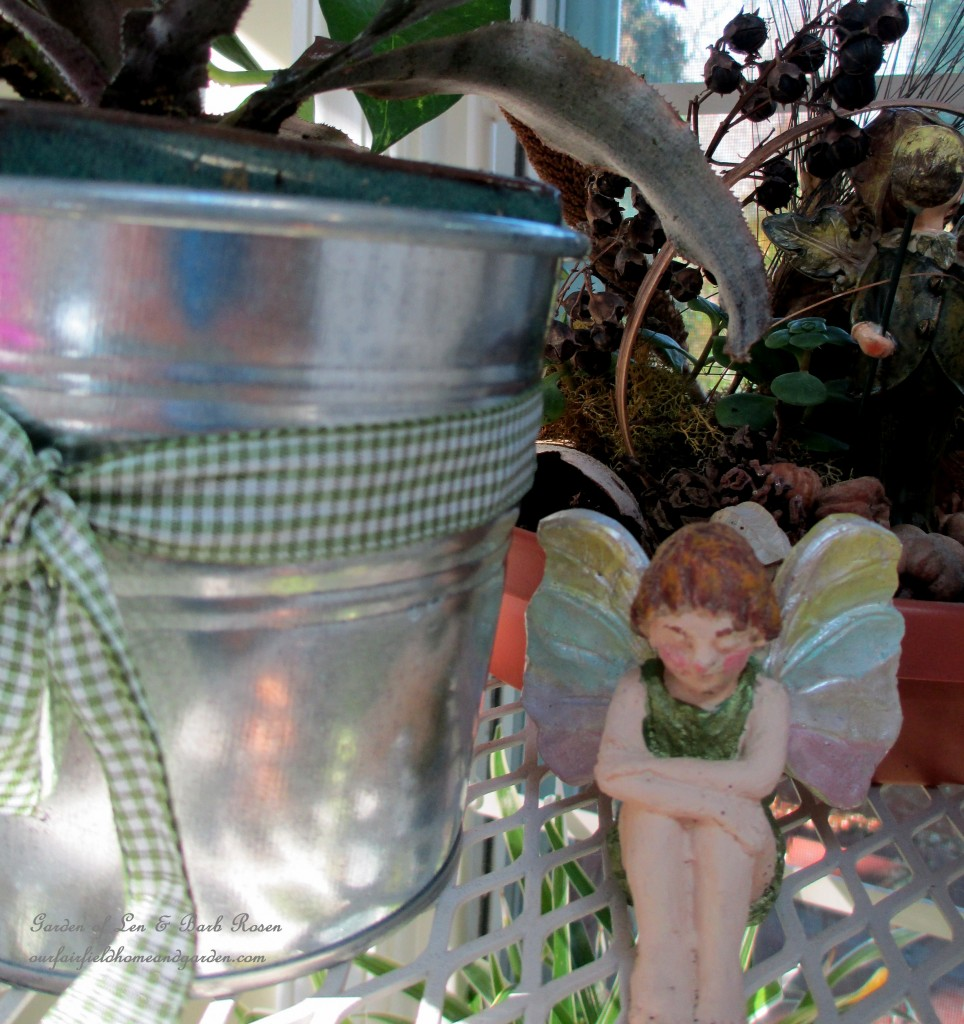 fairy in reposehttp://ourfairfieldhomeandgarden.com/my-winter-sanctuary-scenes-from-a-garden-room/
