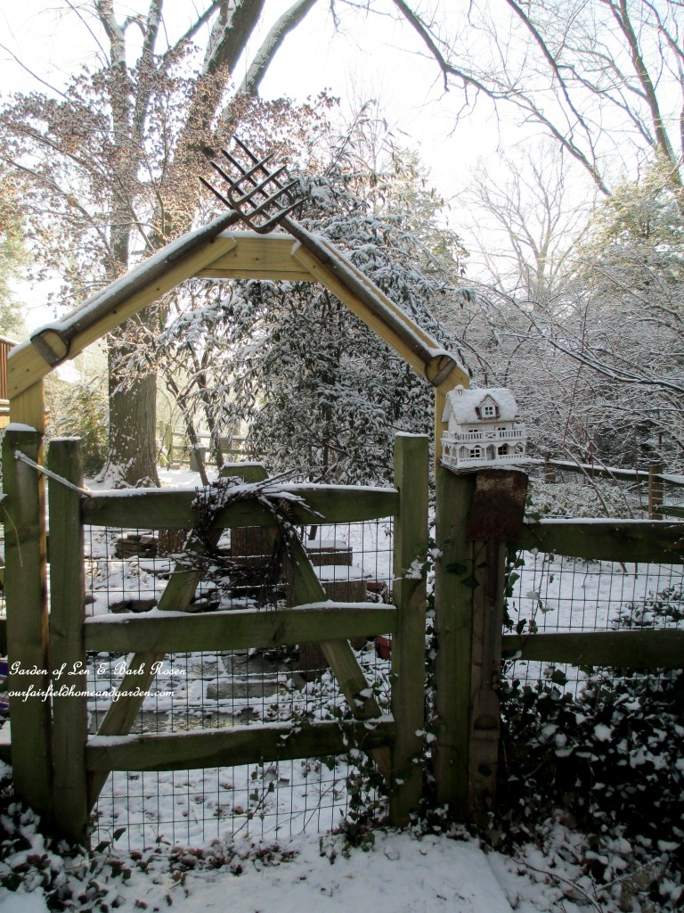 tool arbor gate http://ourfairfieldhomeandgarden.com/january-winter-garden/