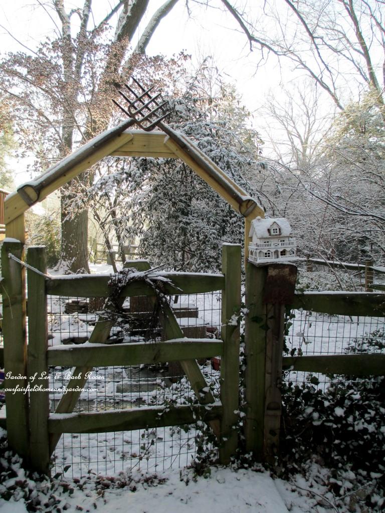 tool arbor gate https://ourfairfieldhomeandgarden.com/january-winter-garden/