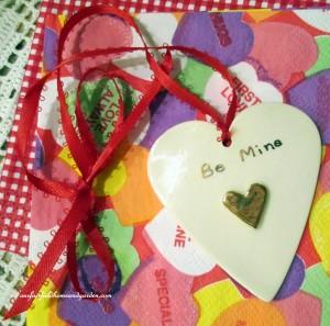 porcelain heart http://ourfairfieldhomeandgarden.com/be-my-valentine-valentine-decor/