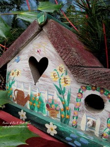 A tiny heart for Valentine's Day ! http://ourfairfieldhomeandgarden.com/heart-home-valentines-day-is-coming/