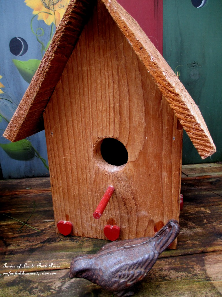 cedar birdhouse with hearts http://ourfairfieldhomeandgarden.com/heart-home-valentines-day-is-coming/