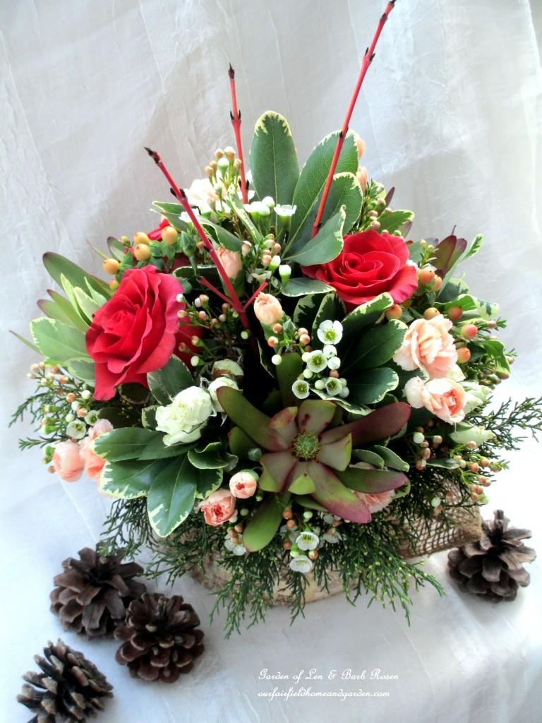 Winter Palette Arrangement http://ourfairfieldhomeandgarden.com/floral-workshop-a-winter-palette/