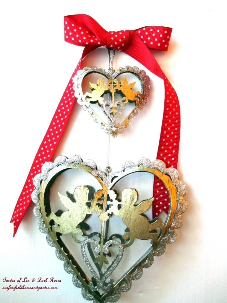 hanging hearts https://ourfairfieldhomeandgarden.com/be-my-valentine-valentine-decor/