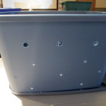 hole detail on the tub http://ourfairfieldhomeandgarden.com/diy-project-vermicomposting-in-a-tub-in-a-few-easy-steps/