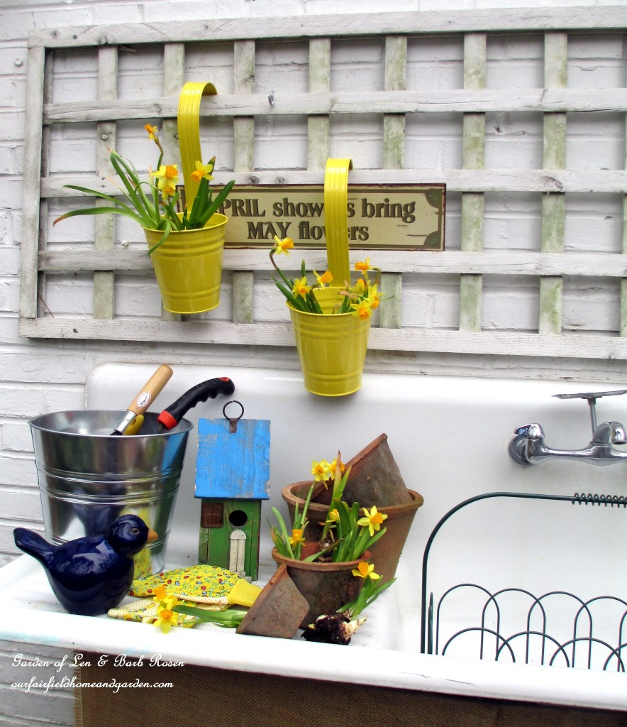 April planters http://ourfairfieldhomeandgarden.com/spring-is-busting-out-all-over/