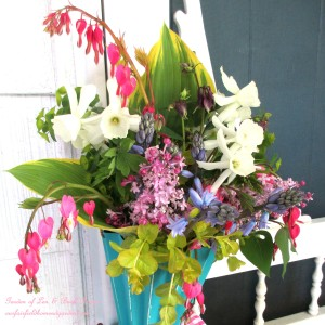 ~ May Day Basket ~ https://ourfairfieldhomeandgarden.com/diy-project-gather-flowers-for-a-may-day-basket/