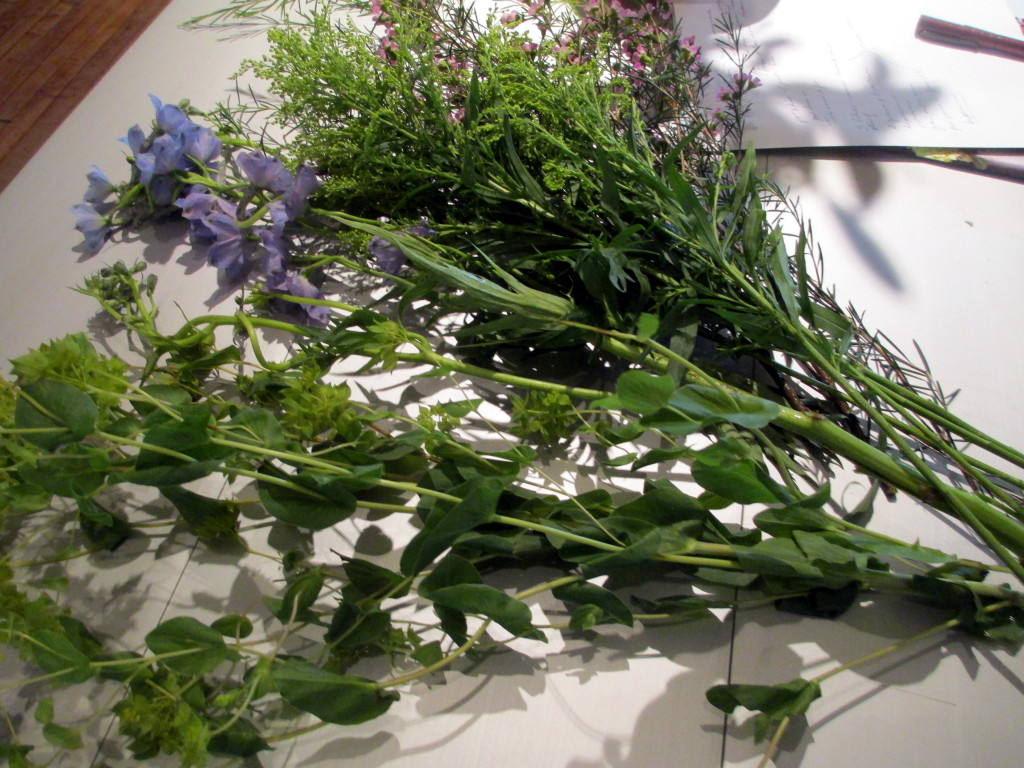 http://ourfairfieldhomeandgarden.com/diy-project-blooming-topiary/Step # 3  ~ use the waxflower, alstroemeria, bupleurum, and delphinium to cover the oasis