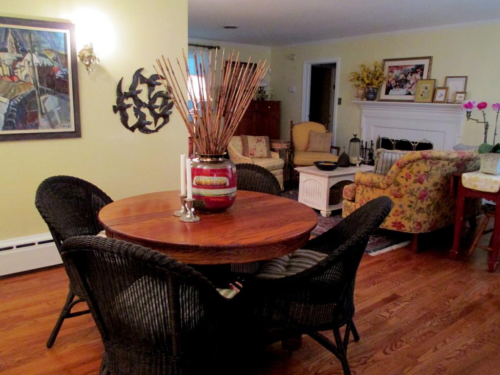 new dining/game area http://ourfairfieldhomeandgarden.com/livingroom-makeover-grandma-to-grandeur/