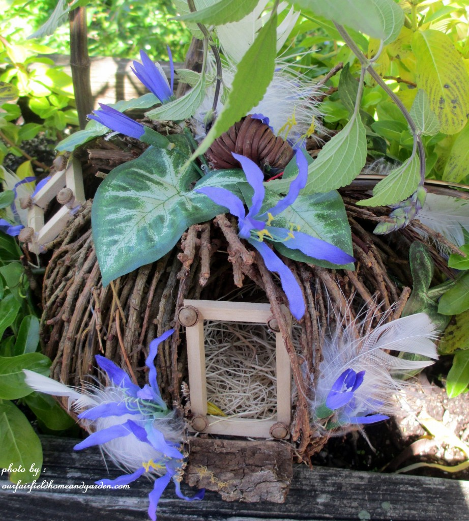 See lots more fairy gardening here!