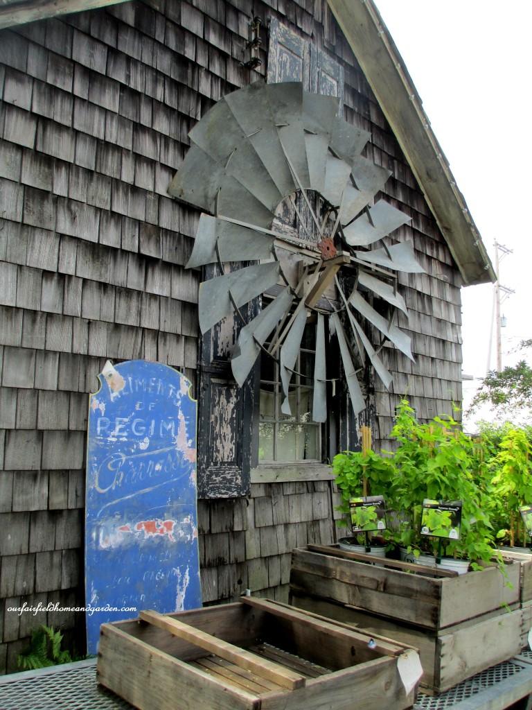 Windmill Barn accent