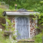 Root Cellar Building * click it !