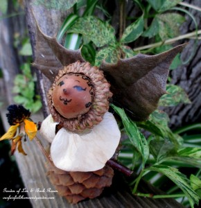 Making Fairies http://ourfairfieldhomeandgarden.com/diy-project-fairies-for-free/