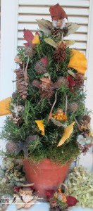 Fairy Christmas Tree http://ourfairfieldhomeandgarden.com/diy-a-fairy-merry-christmas/