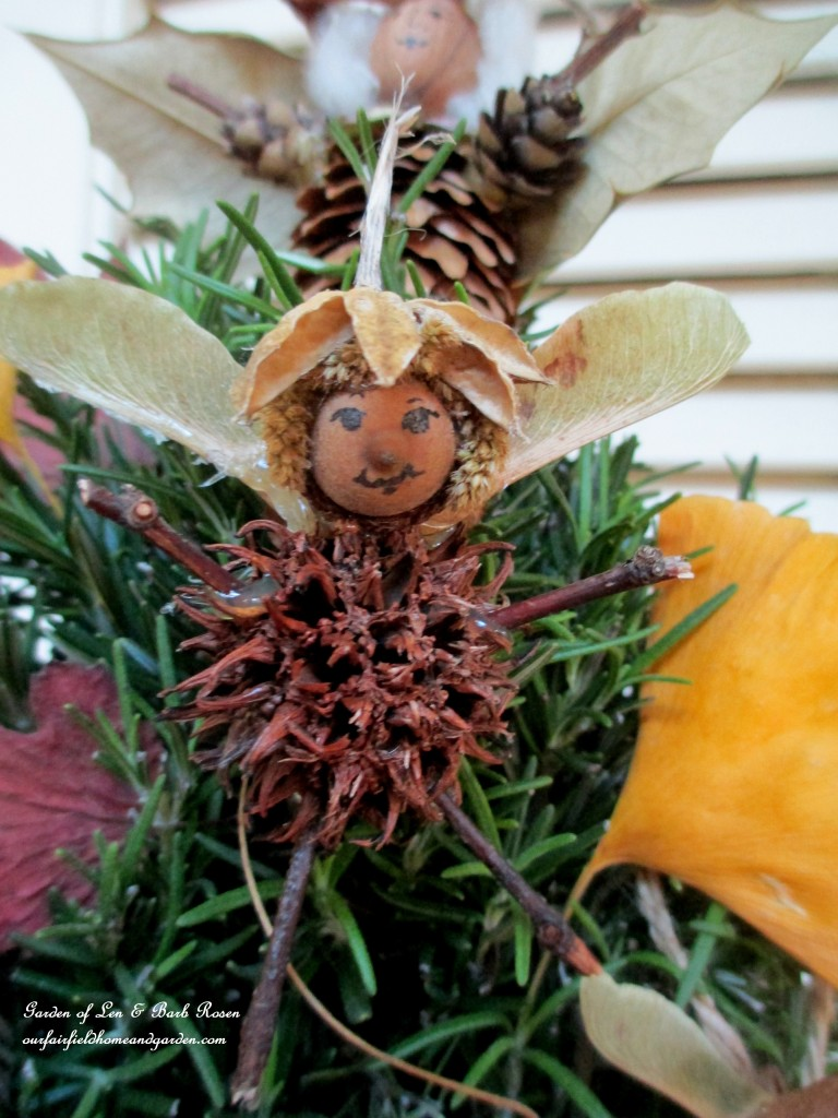 Natural Fairies http://ourfairfieldhomeandgarden.com/diy-a-fairy-merry-christmas/