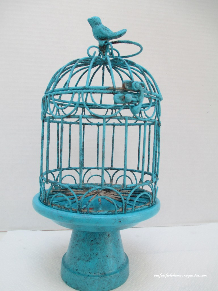 birdcage centerpiece http://ourfairfieldhomeandgarden.com/a-michaels-hometalk-pinterest-party-come-be-my-guest/