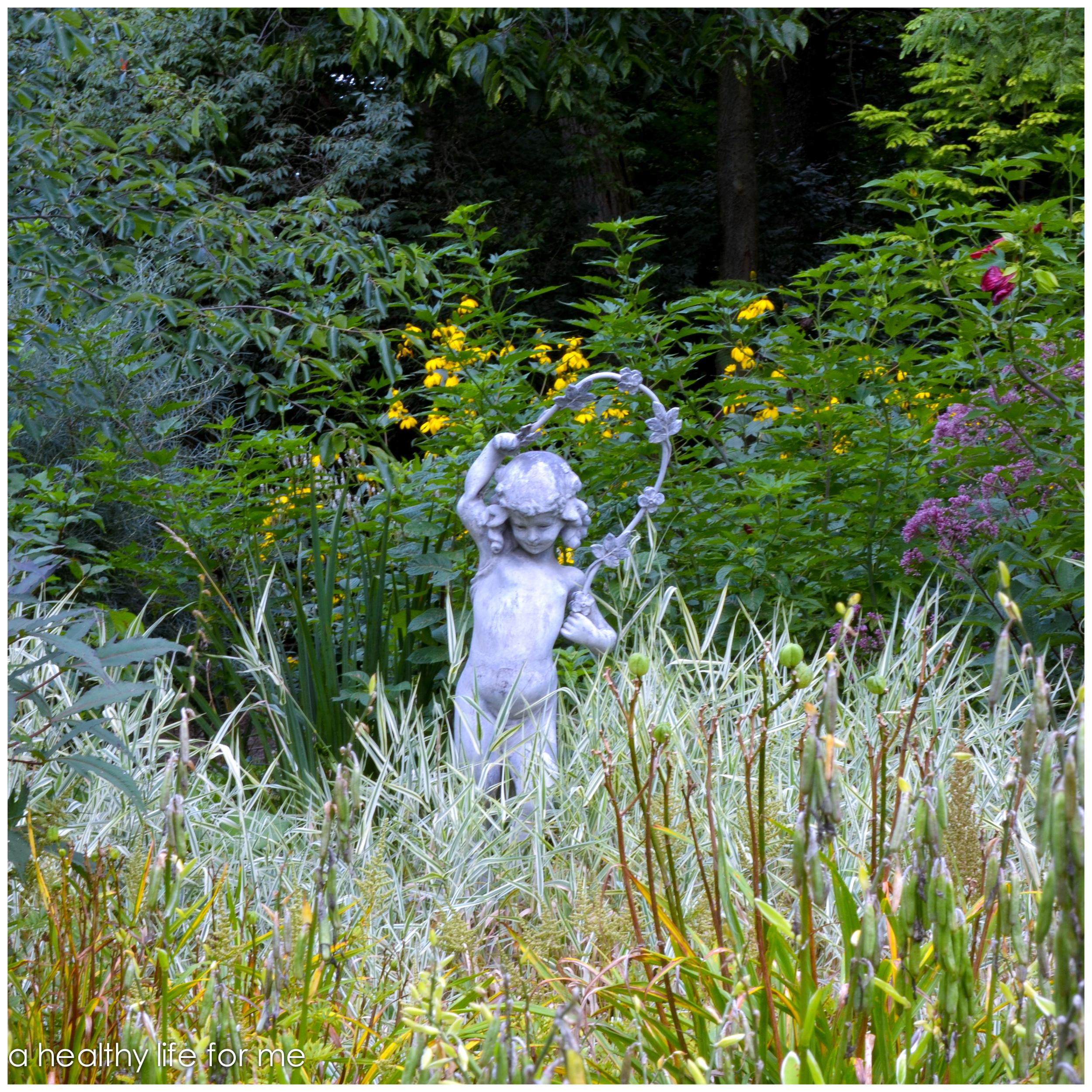 Beth Karp's Garden http://ahealthylifeforme.com/2013/09/05/private-garden-tour/