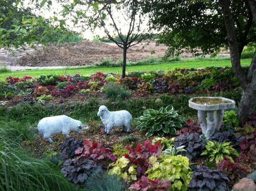 Stott Garden http://thegardeningcook.com/todays-garden-tour-stott-garden-goshen-indiana/