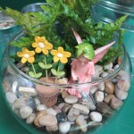 Fairy Garden http://ourfairfieldhomeandgarden.com/diy-project-create-your-own-fairy-terrarium/