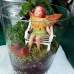 Fairy Garden http://ourfairfieldhomeandgarden.com/diy-project-summer-enchantment-in-a-jar/