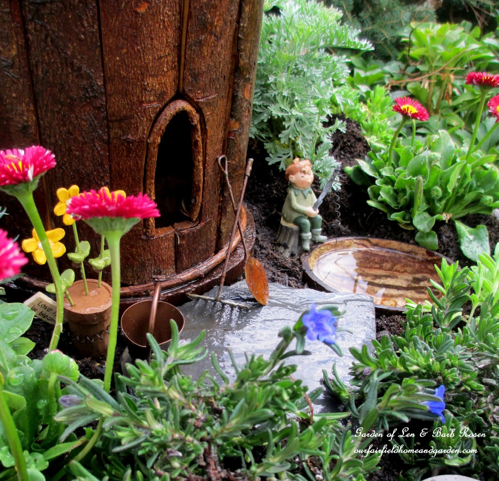 Fire Pit Fairy Garden http://ourfairfieldhomeandgarden.com/a-fire-pit-fairy-garden-choose-your-favorite/