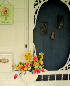 May Flowers http://ourfairfieldhomeandgarden.com/fresh-flower-basket-for-may-day-or-mothers-day/