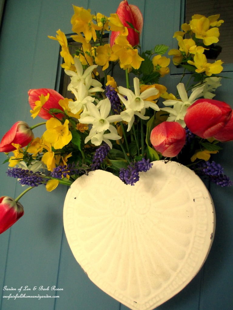 Floral basket http://ourfairfieldhomeandgarden.com/fresh-flower-basket-for-may-day-or-mothers-day/