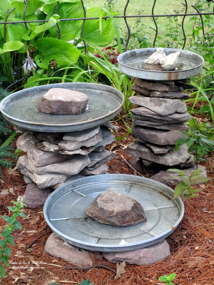 Stacked Stone Birdbaths https://ourfairfieldhomeandgarden.com/diy-project-stacked-stone-bird-baths/