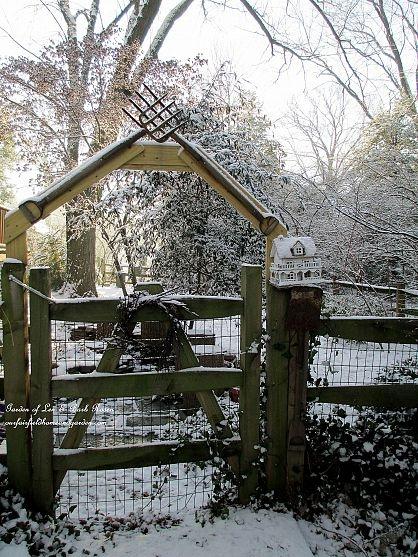 Pitch Fork Garden Gate http://ourfairfieldhomeandgarden.com/january-winter-garden/