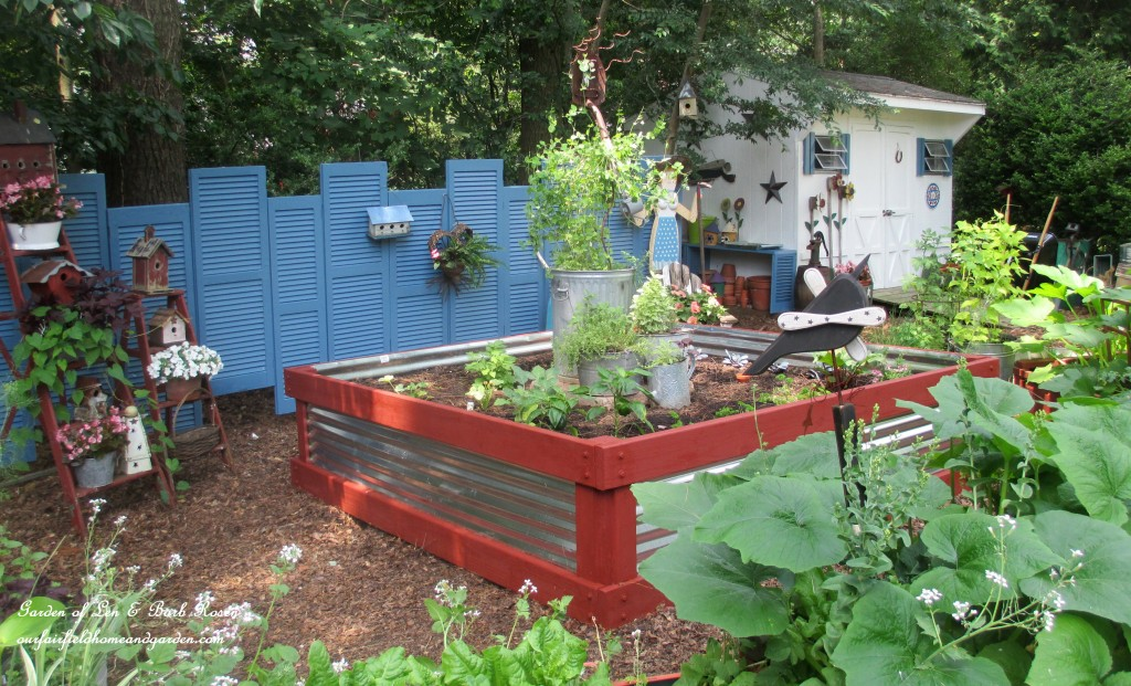 Salvaged Shutter Fence http://ourfairfieldhomeandgarden.com/salvaged-build-a-fence-from-shutters/