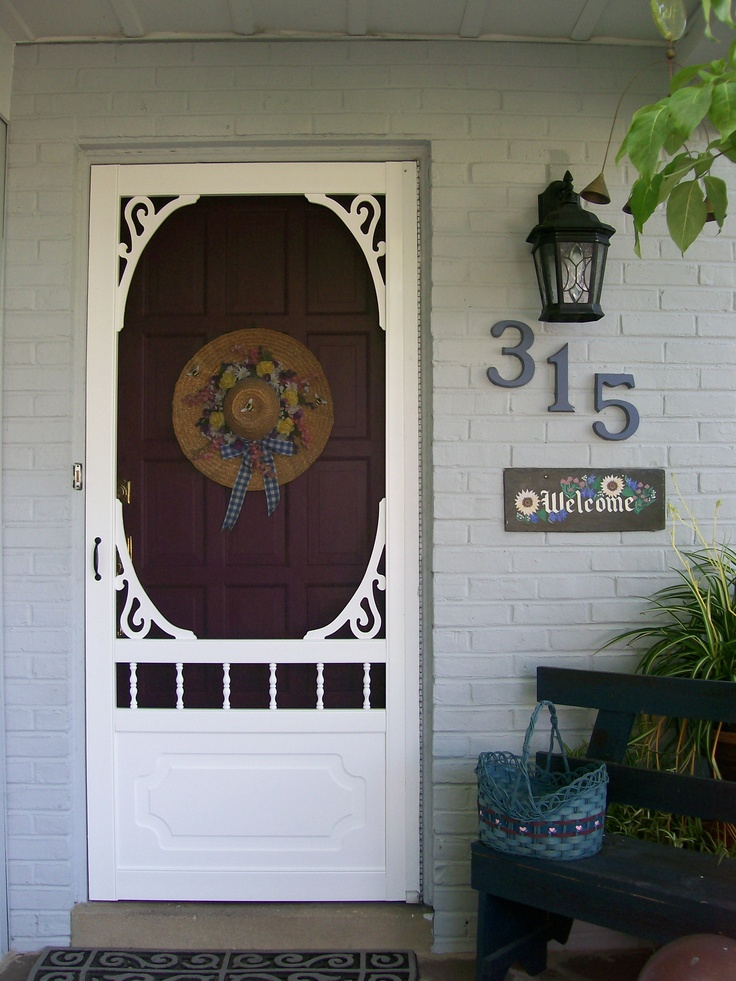 A Screen Door Welcome http://ourfairfieldhomeandgarden.com/a-trip-down-memory-lane-my-former-garden/