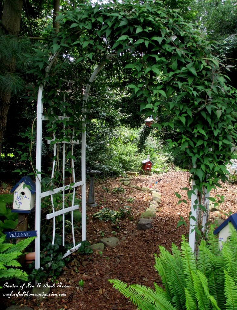 Garden Arbor http://ourfairfieldhomeandgarden.com/garden-arbors-gates-make-an-entrance/