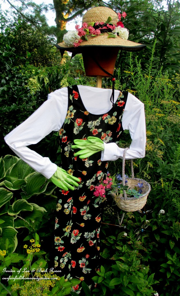 Pretty Scarecrow http://ourfairfieldhomeandgarden.com/diy-project-wood-scrap-scarecrow-my-garden-maiden/