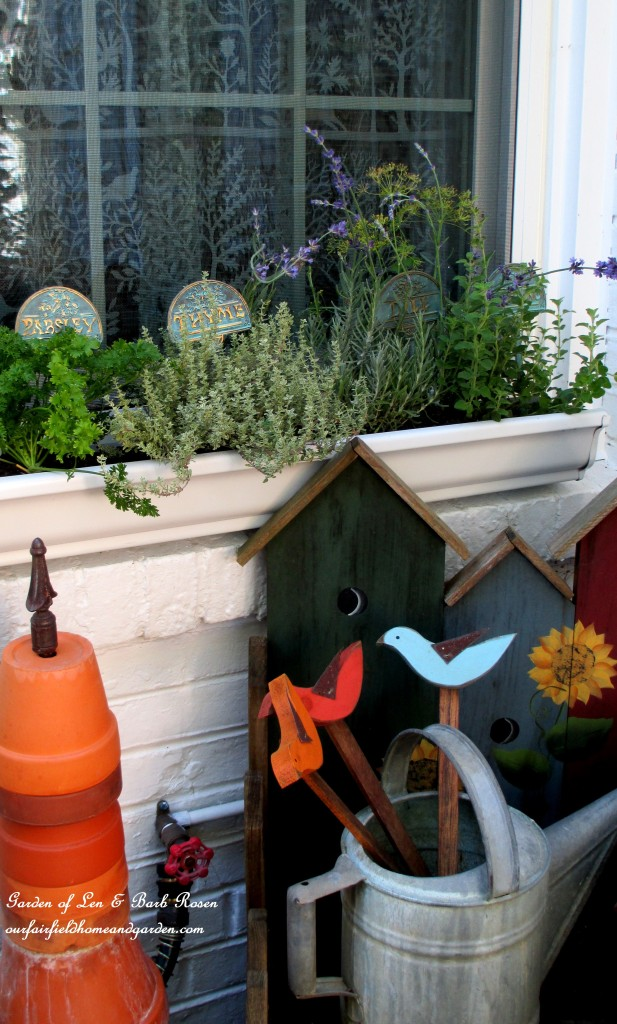 Windowsill Windowbox https://ourfairfieldhomeandgarden.com/diy-windowsill-windowboxes/