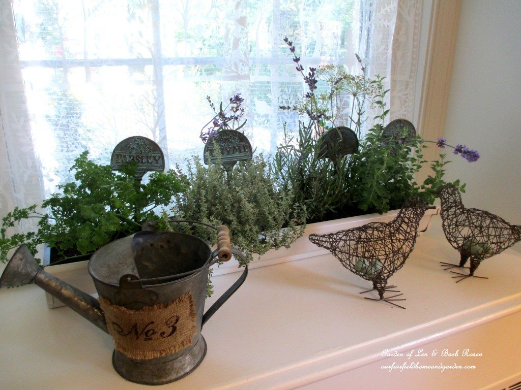 Kitchen Herbs https://ourfairfieldhomeandgarden.com/diy-windowsill-windowboxes/