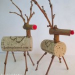Twig and Cork Reindeer http://ourfairfieldhomeandgarden.com/enjoy-a-bottle-of-wine-and-make-a-twig-cork-reindeer/