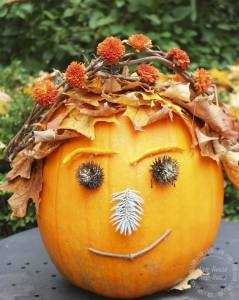Third Place Winner http://www.newhousenewhomenewlife.com/2014/10/crack-o-lantern-pumpkin-decorating-contest.html#sthash.kPX8nBfc.qmTb7joP.dpbs