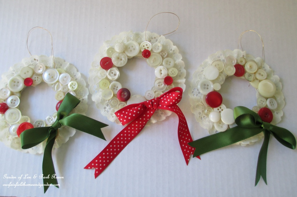 Finished Button Wreaths http://ourfairfieldhomeandgarden.com/vintage-button-wreath-ornament-a-diy-in-your-sewing-basket/