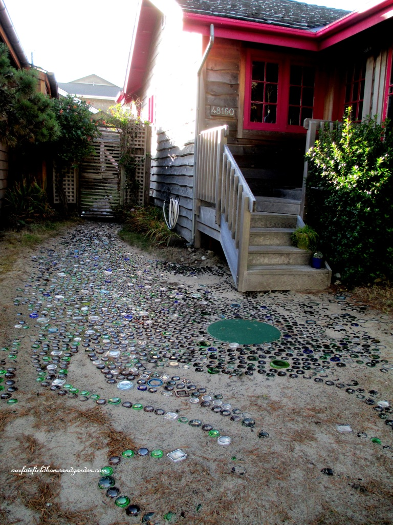Bottle Garden Path http://ourfairfieldhomeandgarden.com/unexpected-garden-accents/